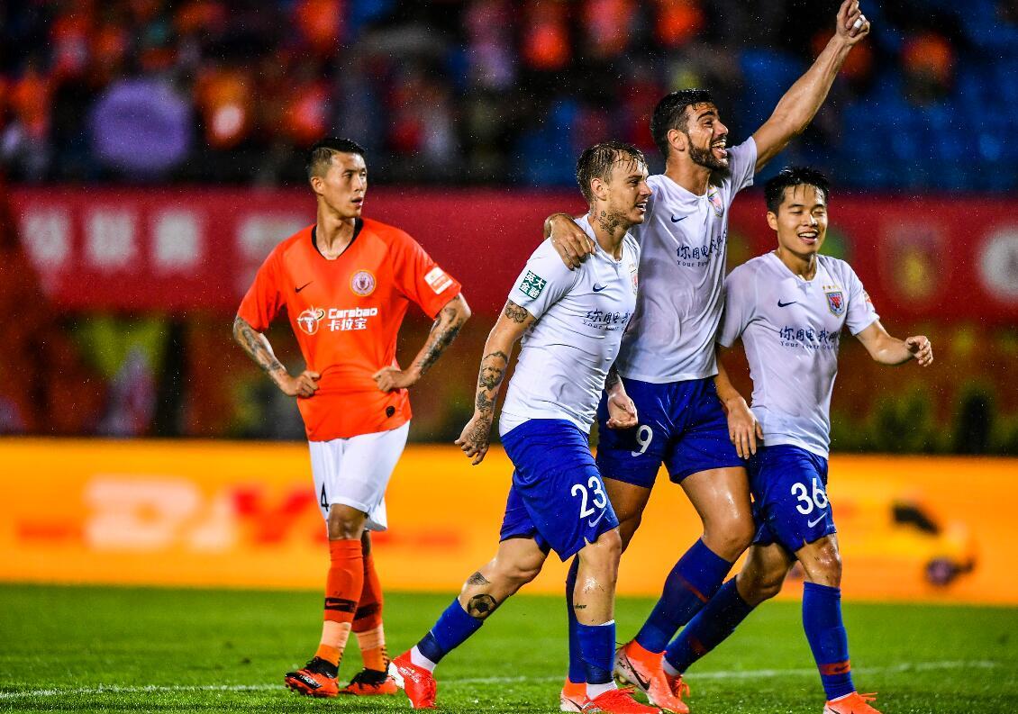 中超-北京人和0-2鲁能遭四连败 格德斯传射佩莱破门戴琳染红