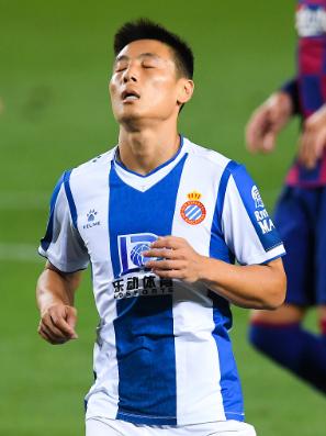 西甲-西班牙人0-1负巴萨提前降级 2人染红+苏牙破门