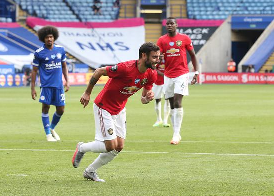 英超-B费点射林加德破荒 曼联2-0莱斯特夺第3进欧冠