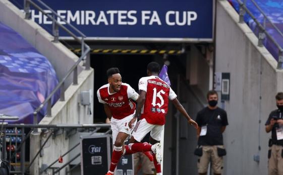 英足总杯-阿森纳2-1逆转切尔西夺冠 奥巴梅扬梅开二度