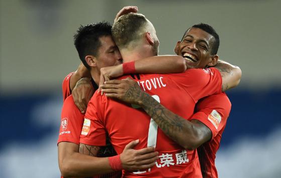 中超-上港4-0大胜华夏取2连胜 阿瑙洛佩斯皆梅开二度