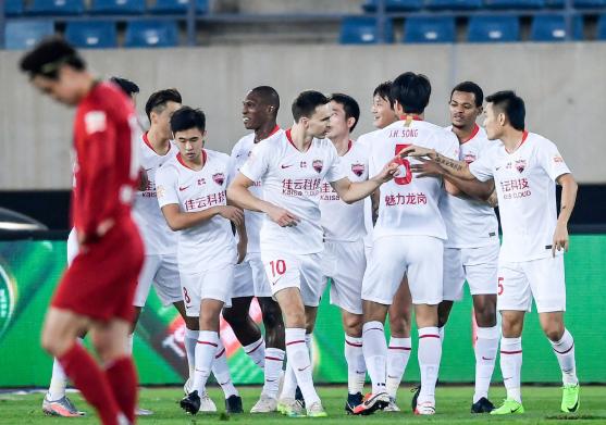 中超-深圳3-1送建业7轮不胜 郜林传射马里2球