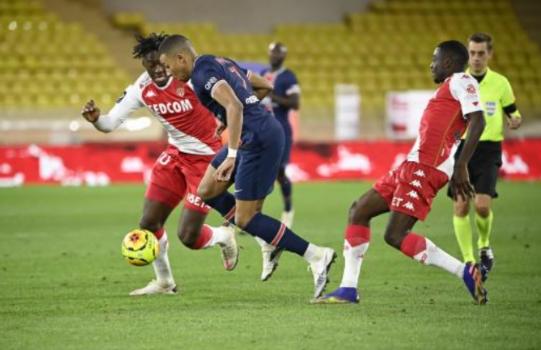 法甲-姆巴佩双响迪亚洛染红+送点 十人巴黎2-3摩纳哥