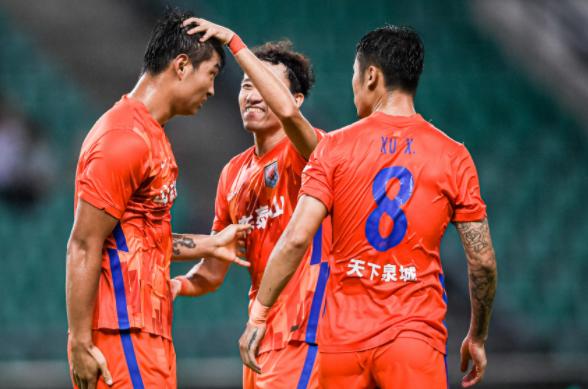 中超-郭田雨2球费莱尼伤退 山东2-1沧州锁定第一阶段榜首