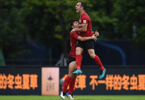 中超-长春亚泰3-1送大连人赛区垫底 儒尼奥尔梅开二度
