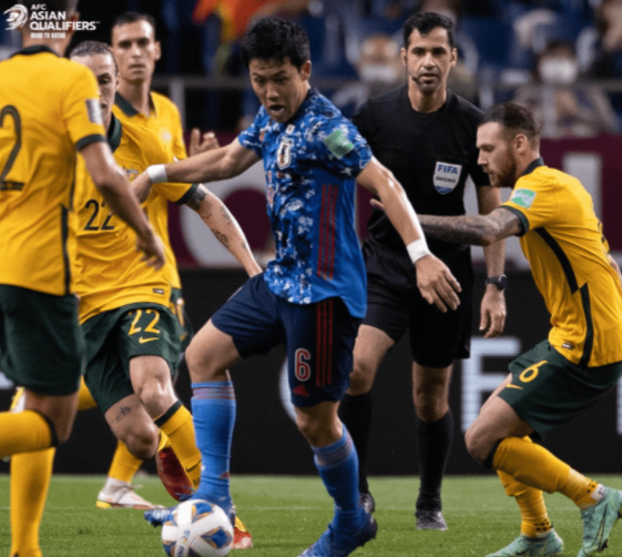 世预赛-日本2-1送澳大利亚首败 浅野拓磨造关键进球